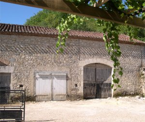 House and barn  in Prayssac, Lot, France