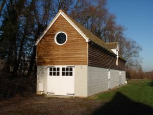 Faversham Kent Converted Oast House With Equestrian Facilities