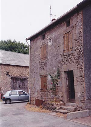House And Unconverted Barn In Limousin For Sale