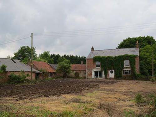 Farmhouse With Range Of Barns For Conversion For Sale In Lincolnshire