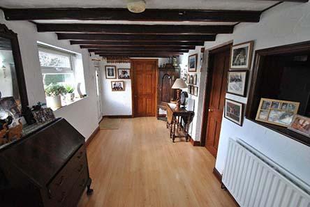 5 bedroom Property for sale