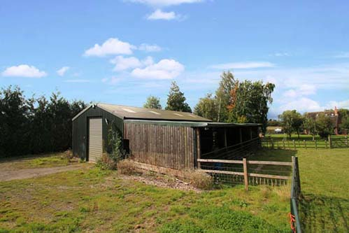 Barn for conversion in Tamworth