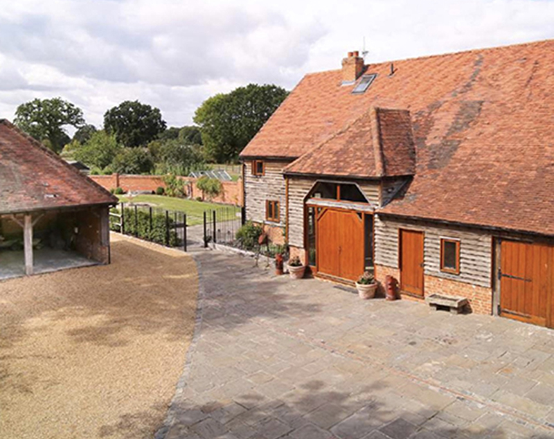 Converted Barn Near Reading Berkshire