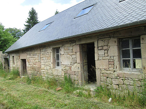 Bugeat Stone Built Barn and Partly Renovated House in the Correze