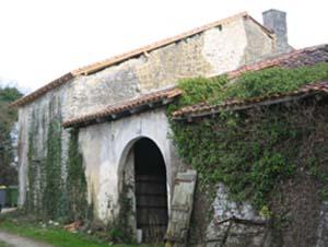 Unconverted barn near Angoulême, France